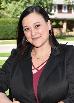 headshot of Lisa Keller